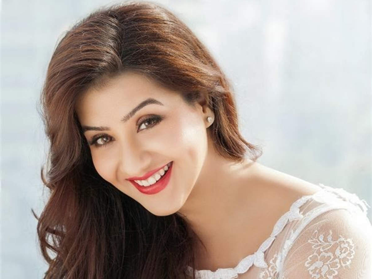 Photo of Bigg Boss 11 Winner Shilpa Shinde Joins Congress, Reveals Who She'd Like To See As The Next Prime Minister