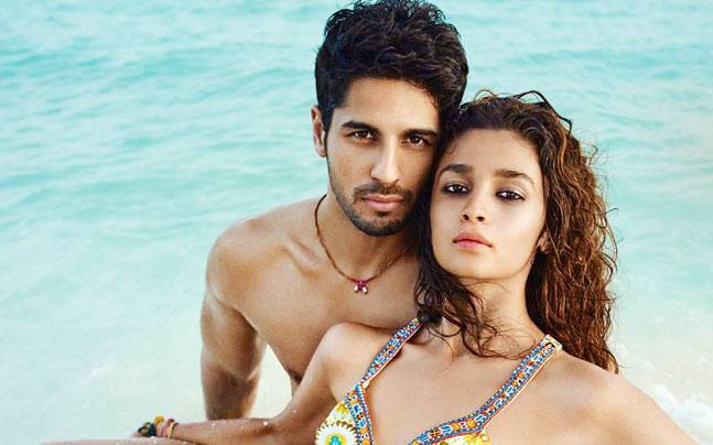 Photo of Siddharth Malhotra Talks About His Break Up With Alia Bhatt on Koffee With Karan