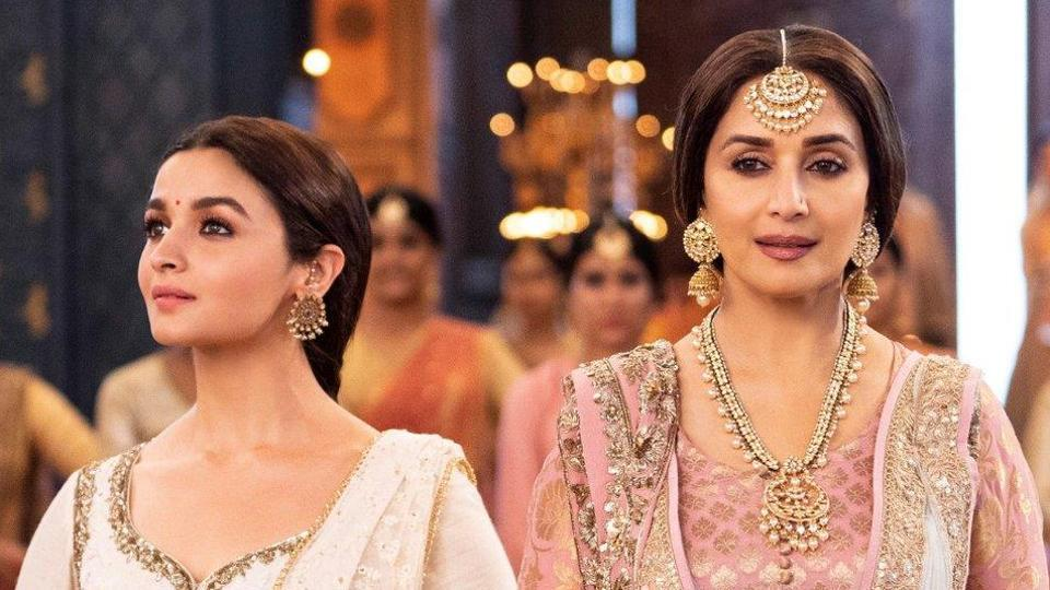 Photo of Kalank – Alia Bhatt Reacts to Reports of Her Jugalbandi With Madhuri Dixit