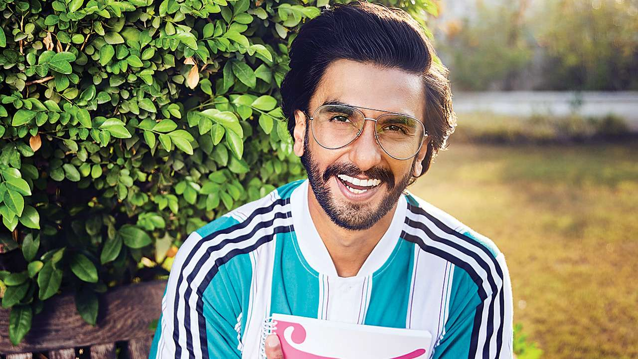 Photo of Ranveer Singh Announces His Next Movie With YRF 'Jayeshbhai Jordaar' in Style