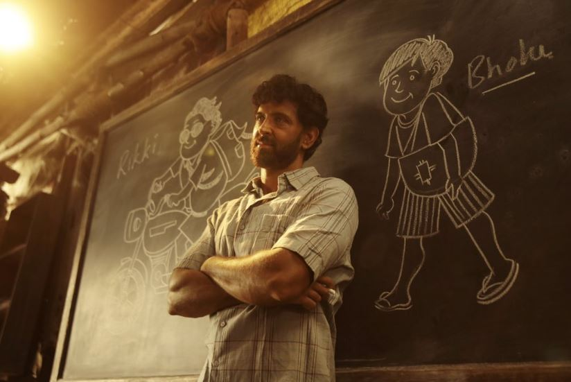 Photo of Hrithik Roshan Shares a New Still From 'Super 30' Ahead of its Trailer Release
