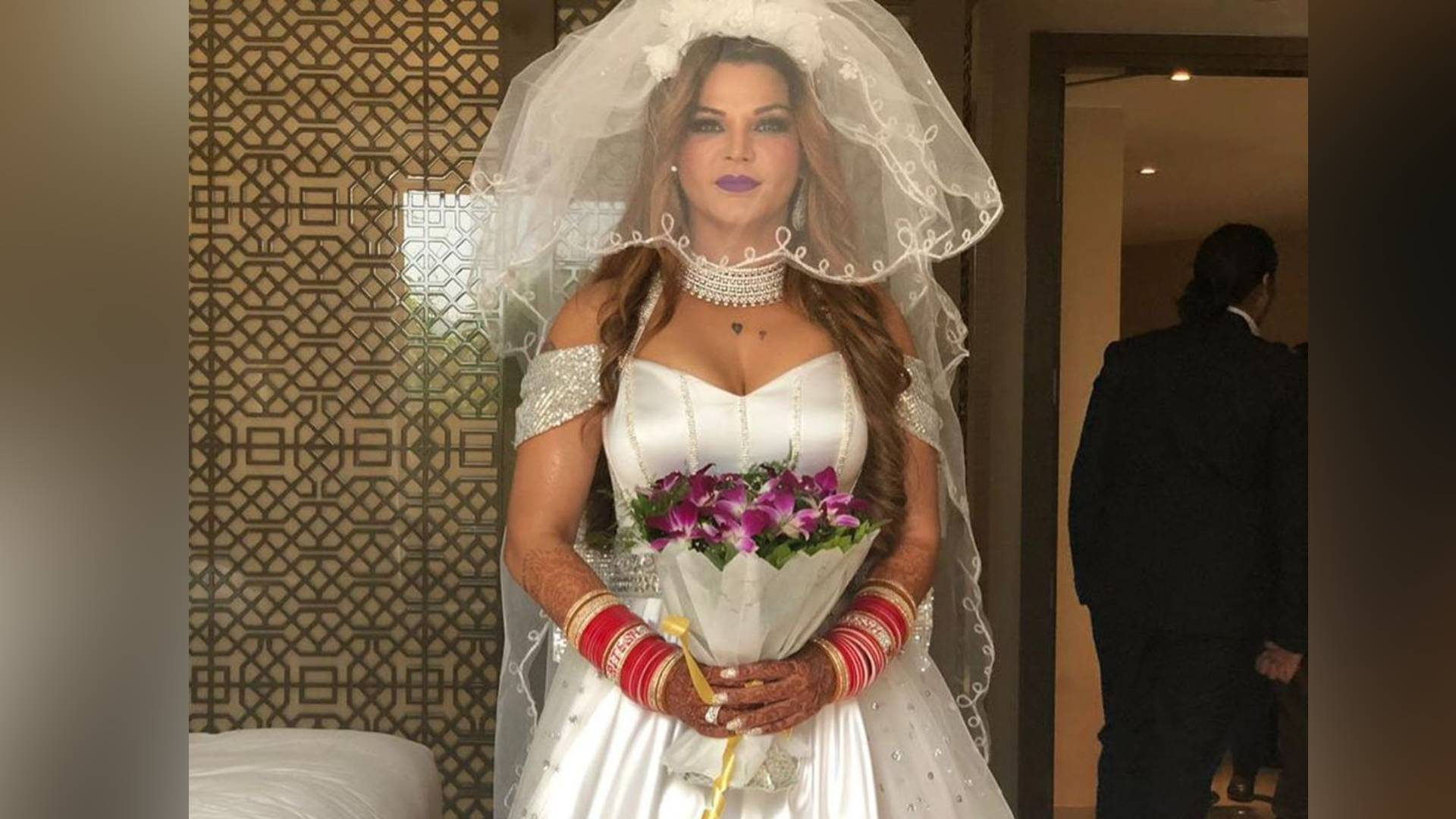 Photo of Is Rakhi Sawant Really Married To An NRI. We Will Tell You The Truth