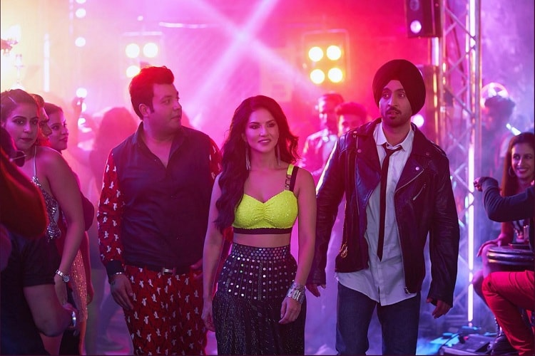 Photo of Read How Sunny Leone Sharing Her Number In Arjun Patiala, Created Hell For A Delhite