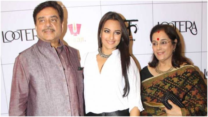 Photo of Khandaani Shafakhana Star Sonakshi Never Had That Sex Talk With Her Parents