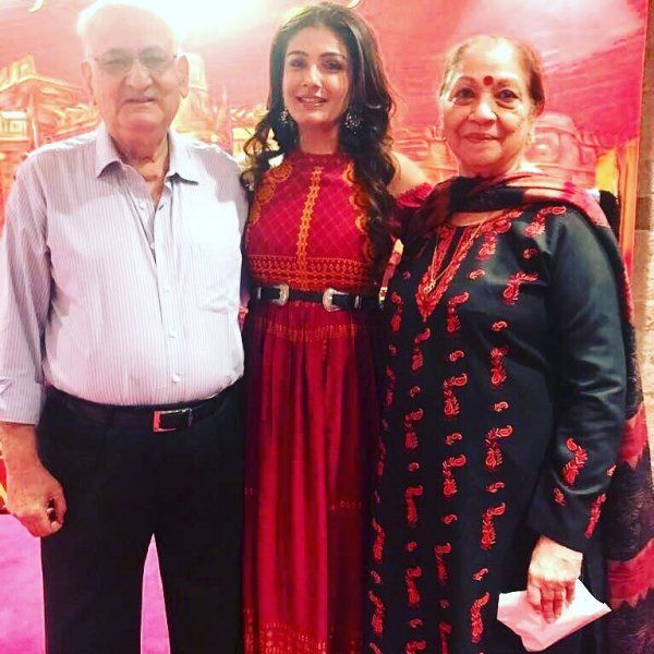 Photo of Raveena Tandon's Father Was Skeptical About Acting As Her Career Choice. Here's Why