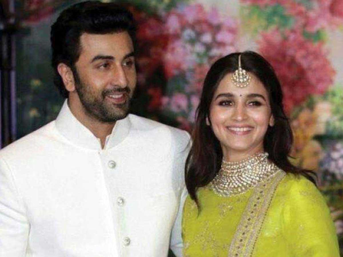 It'S Official: Lovebirds Ranbir Kapoor & Alia Bhatt Will Exchange Rings Next Month In Mumbai