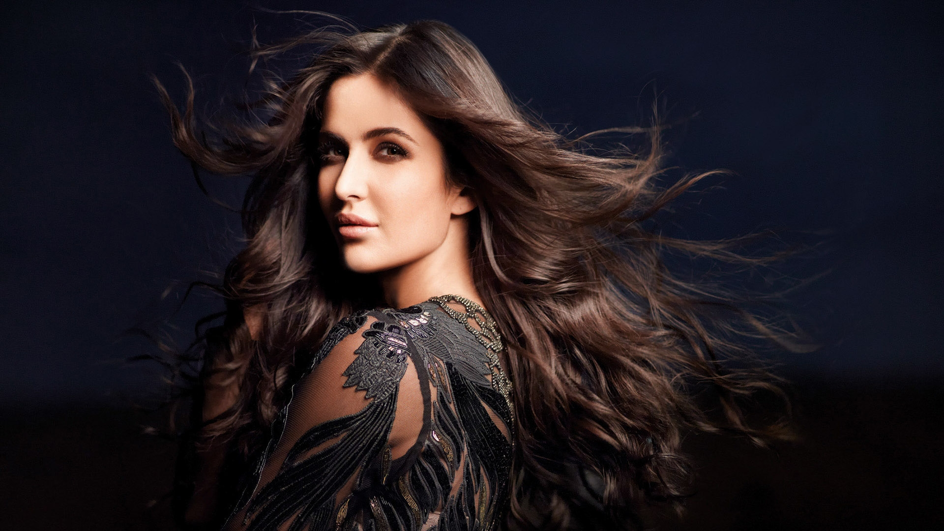 Photo of Katrina Kaif Finds Her Duplicate On Social Media And The Pics Are Going Viral Like Wildfire