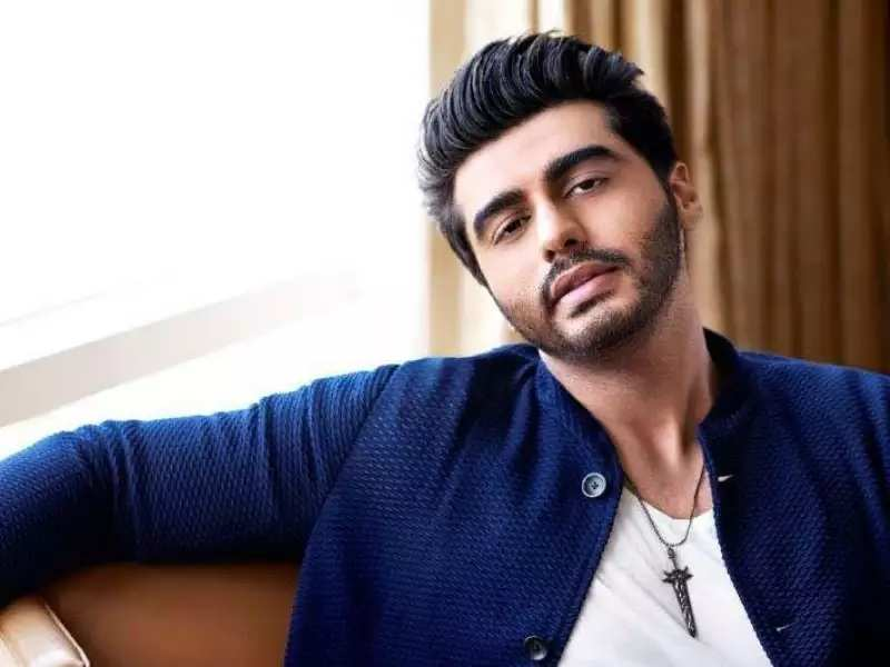 Photo of Arjun Kapoor Wins The Heart Of Social Media With His Unique Troll Handling Skills