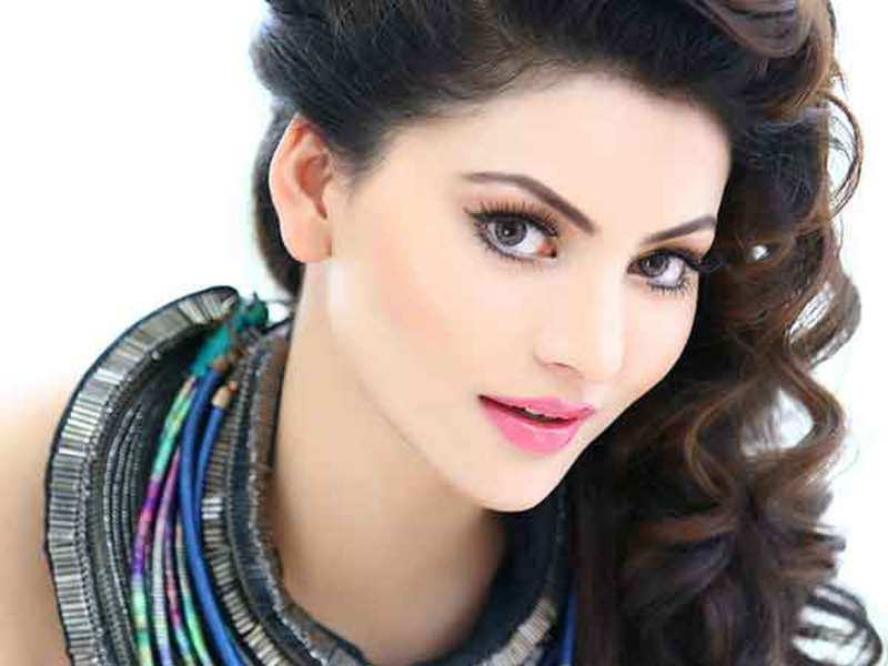 Photo of Urvashi Rautela Breaks Her Silence On Her 'Inappropriate Video' With Boney Kapoor