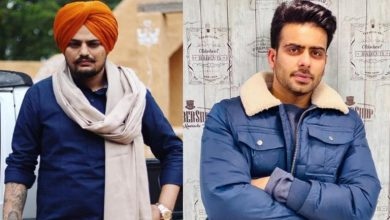 Photo of Punjabi Singers: Sidhu Moose Wala And Mankirt Aulakh Booked For Breaking Law
