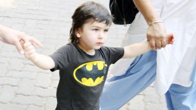Photo of Taimur Has Own His Ways to Enforce 'Safe Distance' From Paps