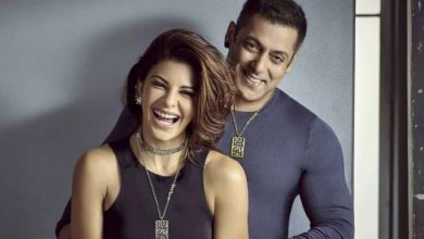 Photo of Jacqueline Fernandez Takes a Ride on Salman Khan's Shoulder
