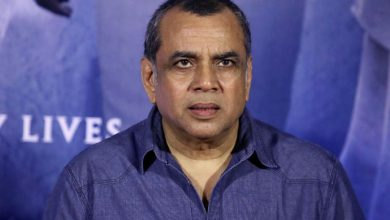 Photo of Paresh Rawal Teaches Twitterati The 'Real Meaning of Heroes'