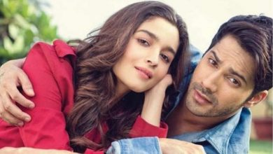 Photo of Varun Dhawan Sings Alia Bhatt's Favorite Song & Gets a Priceless Reaction