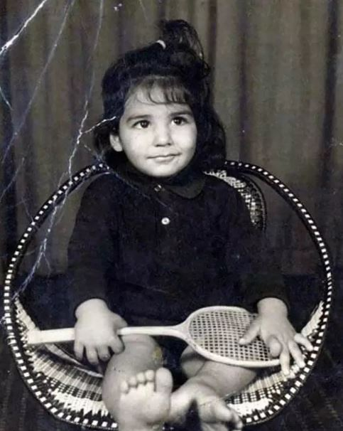 Childhood Photos of Bollywood Actors