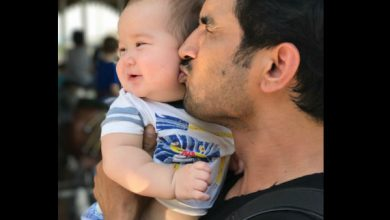 Photo of When Sushant Singh Rajput Blessed a Baby With His Poem