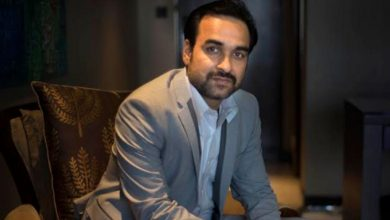 Photo of Pankaj Tripathi Arrived In Mumbai With This Much Money, Says He Was Not Available To Buy Gift For Wife After Two Months