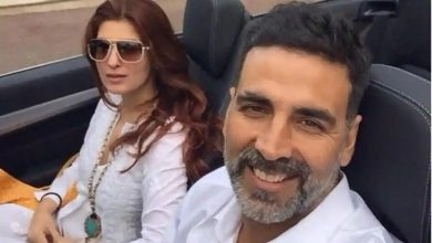 Photo of This Picture Of Akshay Kumar and Wife Twinkle Khanna Twinning In 'Off-Shoulder' Is The Best Thing You'll See Today