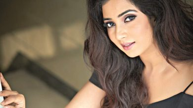 Photo of Shreya Ghoshal Reveals Her Pregnancy; Shares A Picture With BABY BUMP